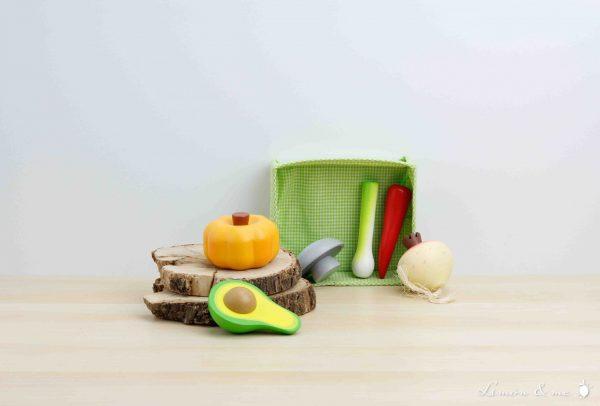 Cesta de tela con verduras variadas de madera - Tender Leaf