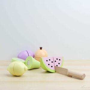 Cuchillo de madera con frutas de verano unidas con velcro - Jabadabado