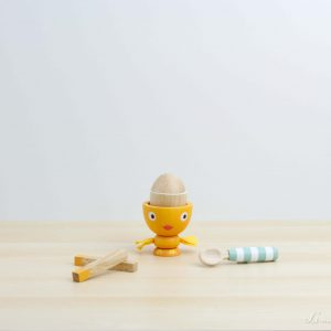 Huevera de madera con palitos de pan para mojar - Le Toy Van