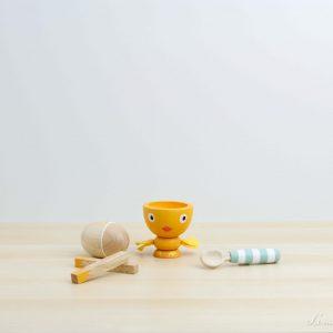 Huevera de madera de pollito con huevo imantado - Le Toy Van