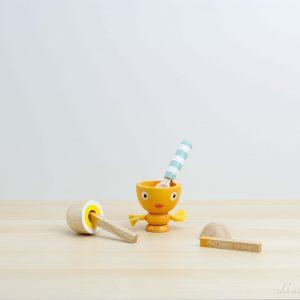 Huevera de madera con cucharilla - Le Toy Van