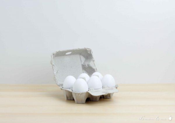 Huevera con huevos de madera - Jabadabado