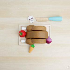 Pollo asado de madera con ingredientes - Le Toy Van
