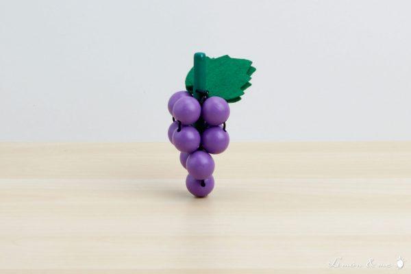 Racimo de uvas moradas de madera con hojas de fieltro - Small Foot
