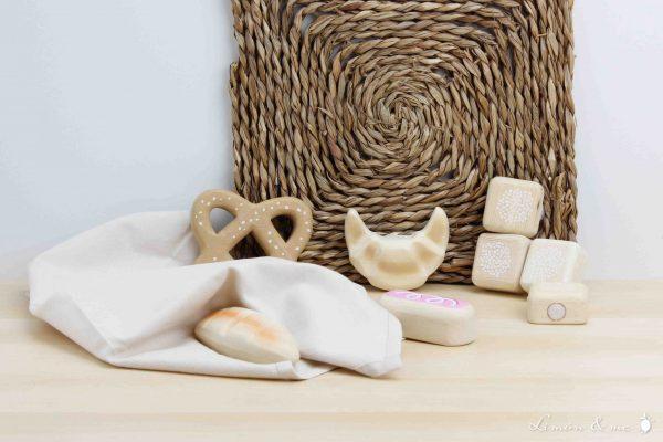 Detalle bollos y panes de madera - Tender Leaf
