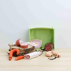 Ibéricos: tostada de jamón serrano, longaniza, panceta, salchichillas, morcilla, salchichón y codillo de madera - Tender Leaf