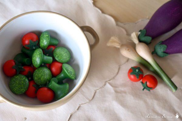 Brócoli y tomates cherry de madera - Erzi