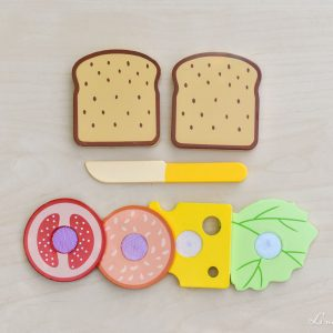 Sandwich con ingredientes de madera apilables con velcro - Small Foot