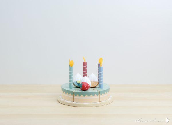 Tarta de cumpleaños de madera con velas con fuego de fieltro - Little Dutch